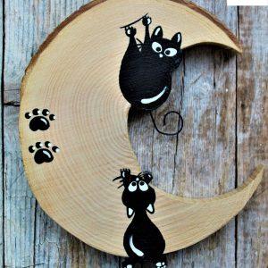 luna-in-legno-coppia-gatto-arrampicato-gatto-appeso-fronte