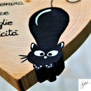 cuore-in-legno-dipinto-a-mano-gatto-agguato-dettaglio