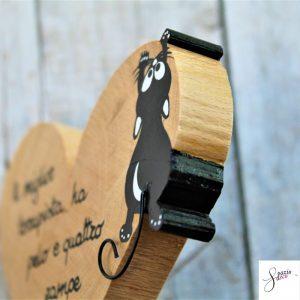 cuore-in-legno-dipinto-a-mano-gatto-appeso-dettaglio