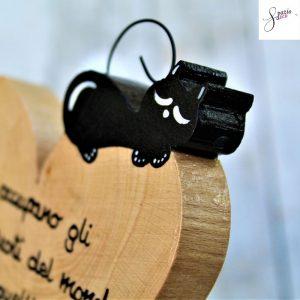 cuore-in-legno-dipinto-a-mano-gatto-che-dorme-dettaglio