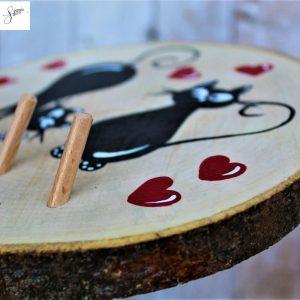 appendi-chiavi-legno-dipinto-a-mano-coppia-gatti-innamorati-dettaglio