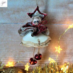 folletto-natalizio-truciolo-legno-rosso