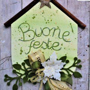 targhetta-legno-dipinta-a-mano-fiori-panno-lenci-buone-feste-verde