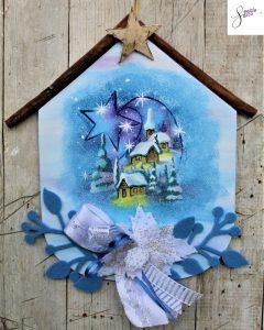 targhetta-legno-dipinta-a-mano-fiori-panno-lenci-paesaggio-innevato