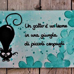 targhetta-legno-dipinta-a-mano-fiori-verde-acqua-gatto-13x25cm
