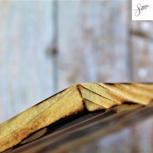 targhetta-legno-quadrata-dipinta-a-mano-bordo-dettaglio
