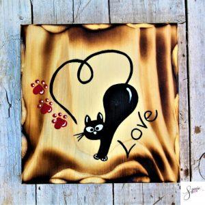 targhetta-legno-quadrata-dipinta-a-mano-gatto-cuore-love