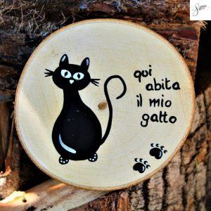 targhetta-legno-rotonda-dipinta-a-mano-gatto-seduto