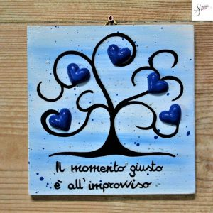 targhetta-in-legno-moderna-dipinta-a-mano-albero-vita-blu