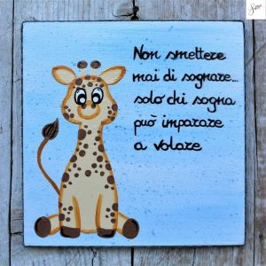 targhetta-legno-bomboniera-battesimo-giraffa-blu