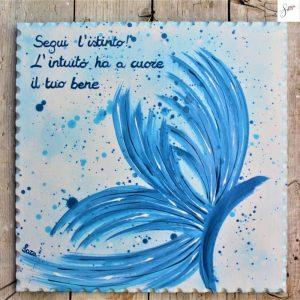 targhetta-legno-dipinta-a-mano-farfalla-azzurra