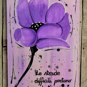 targhetta-legno-dipinta-a-mano-fiore-viola-13x25cm