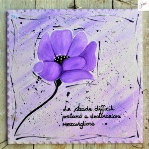 targhetta-legno-dipinta-a-mano-fiore-viola