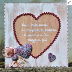 targhetta-legno-shabby-dipinta-a-mano-cuore-rosa