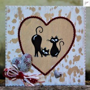 targhetta-legno-shabby-dipinta-a-mano-cuore-rosso-coppia-gatti