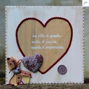 targhetta-legno-shabby-dipinta-a-mano-cuore-rosso2