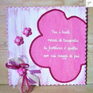 targhetta-legno-shabby-dipinta-a-mano-fiore-rosa