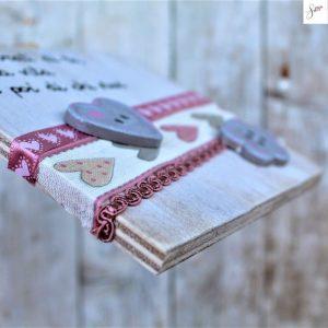 targhetta-shabby-legno-dipinta-a-mano-rosa3-dettaglio