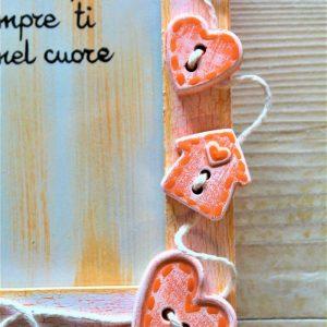 portafoto-legno-festa-della-mamma-12x16cm-arancione-dettaglio