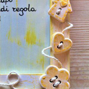 portafoto-legno-festa-della-mamma-12x16cm-giallo-dettaglio