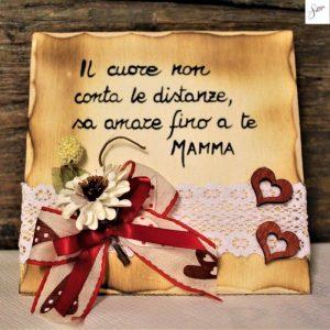 targhetta-in-legno-cuori-rossi-festa della-mamma